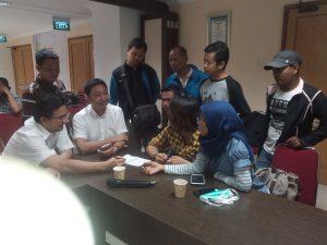 Poto : dokter Bambang Pujo saat memberikan keterangan kepada insan pers.