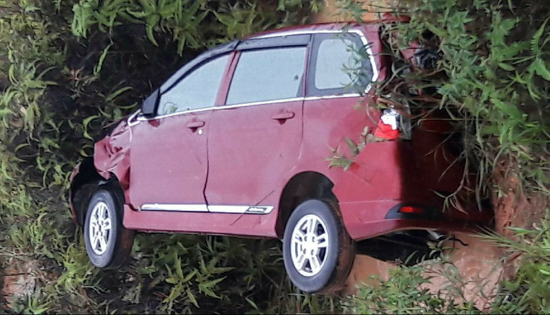 5500 Koleksi Gambar Mobil Avanza Merah Terbaik
