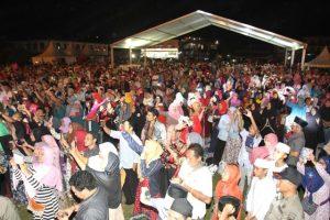 Ribuan Masyarakat Batam yang Menghadiri Acara Peringatan Nuzulul Qur'an Tingkat Kota Batam