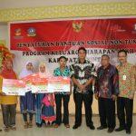 Bupati Bintan Serahkan Bantuan 2.253 Keluarga Harapan