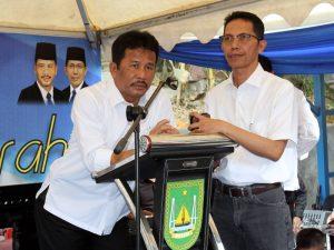 Walikota Batam, Rudi dan Wakil Walikota, Amsakar Achmad turun langsung dikegiatan pembagian sembako