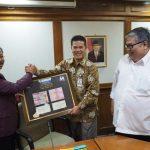 Ketua DPRD Kepri Jumaga Nadeak, Pemprov Kepri  Kembalikan Kejayaan Ekonomi