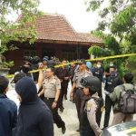 Densus 88 Menangkap Terduga Teroris di Desa Bangunasri