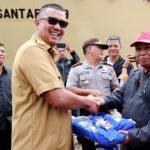 Bupati Bintan Lepas Bantuan Bencana Banjir dan Tanah Longsor di Kecamatan  Tambelan