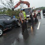 Laga Kambing Mobil Rush VS Avanza di Jalan Lintas Barat Bintan