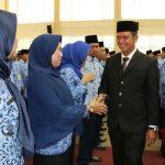 Bupati Bintan Lantik 42 Pejabat Ess III dan 143 Pejabat Eseleon IV di Lingkungan Pemkab Bintan