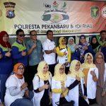 Hari Kartini, Wakapolresta Pekanbaru Buka Kegiatan Bakti Sosial Kesehatan