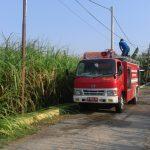Pemadaman Kebakaran Lahan Tebu, Dua Unit Damkar BPBD Pamekasan Dikerahkan