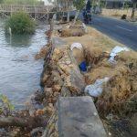 Tanggul Pemecah Ombak Pantai Selatan Pamekasan Rusak, Pemda Terkesan Tutup Mata