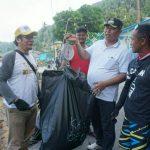 Gerakan Bersih Pantai dan Laut Elemen Masyarakat Anambas