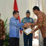 BP Batam Terima Penghargaan Keterbukaan Informasi Badan Publik Tahun 2018