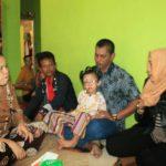 Dwi Ria Latifa Besuk Ananda Pengidap Gangguan Mata