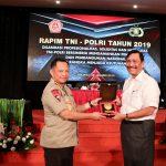 Perwira TNI-POLRI, Menko Maritim Luhut Ajak Bekerja Dengan Baik
