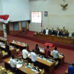 Rapat Paripurna DPRD Kota Batam Ricuh