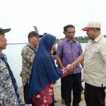 Dalam Sehari Bupati Rafiq Hadiri Beberapa Pertemuan Dengan warga Moro