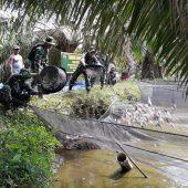 Satgas Karhutla Koramil 16 Tapung Kodim 0313 KPR Manfaatkan Lahan Tidur Kolam Ikan