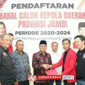 Pilkada Mendatang, Gubernur Jambi Fachrori Umar Ambil Formulir di PDI Perjuangan