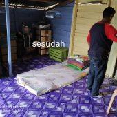 Satpol PP Lingga Rehap Rumah Parida Warga Kurang Mampu