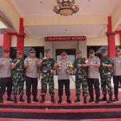 Kapolda Kepri dan Danrem Pimpin Apel Kesiapan TNI POLRI Pengamanan Jelang Pelantintikan Presiden