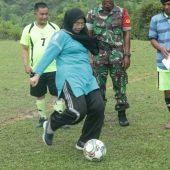 Camat Salo Buka Turnamen Sepakbola Sempena Hari Jadi Desa Ganting Damai ke 17