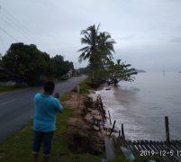 Jalan Utama ke Kota Lingga Sepanjang 6 KM Terancam Putus Akibat Abrasi