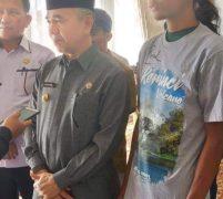 Abu Syamsudin, Pejalan Kaki Dari Jepara Jawa Tengah Disambut Baik Bupati Adirozal