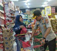 Menyikapi Isu Corona dan Aksi Borong Sembako, Polsek CM Jakbar Pantau Kesediaan Sembako