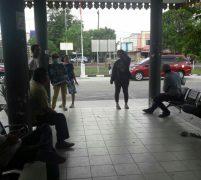 Puluhan Orang Perwakilan Pedagang Pasar Kaget Datangi Kantor Kecamatan Sagulung