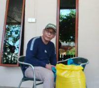 Aktivis Nasional  Bilgardo Sinaga Berikan Bantuan Kepada Janda 5 Anak di Batam
