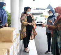 Terima Bantuan Sembako dari Dekranas Pusat, Nawal Segera Salurkan kepada Pengrajin Sumut