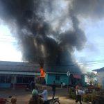 Sijago Merah Hanguskan Rumah Warga di Desa Ladan Kecamatan Palmatak