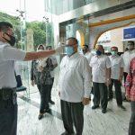 Persiapan Tatanan Normal Beru, Akhyar Tinjau Protokol Kesehatan di Bank Mandiri
