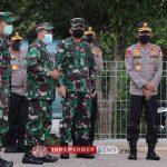 DANLANTAMAL IV SAMBUT PANGLIMA TNI DAN KAPOLRI DI BANDARA BATAM