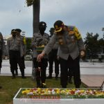 Polres Tanjungpinang Ziarah di Taman Makam Pahlawan Dalam Rangka Hari Bhayangkara ke 74
