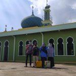 Cegah Penyebaran COVID 19 di Era New Normal, Tim KKN DR Plus UIN Suska Riau Lakukan Penyemprotan