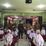 Hari Pertama Masuk Sekolah, Polsek Palmatak Eduksi Kepada Pelajar Tengtang Covid 19