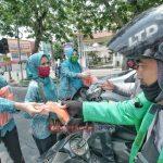 TPPKK Kota Medan Dan TP PKK Provinsi Picu Disiplin Warga Dengan Membagikan Masker