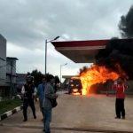 Kebakaran Mini Bus Carry di SPBU Merapi Subur Ada Korban Jiwa