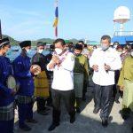 Usai Melantik Pejabat, Ansar Tunaikan Agenda di Anambas Resmikan Layanan Listrik di Dua Desa