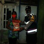 Polresta Bandara Soe'ta Bagi Bantuan Kepada Warga Terdampak Covid-19